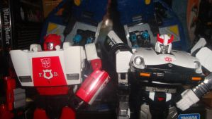 Red Alerte and Prowl by RadimusSG