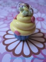 Flower Cupcake Charm by SugiAi