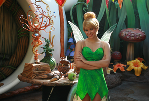 Tinkerbell and the Scepter by DisneyLizzi