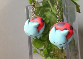 Sleepy Catbug Earrings by Gatobob