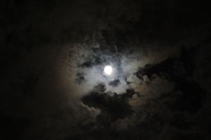 Cloudy Moon4 by Lynxwing