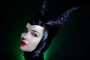 Maleficent's horns by KlairedeLys