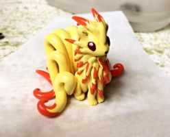 My version of Ninetales by LittleCLUUs