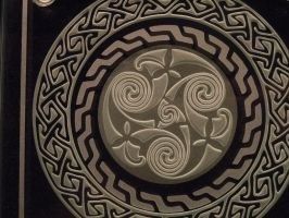 Closeup Celtic etched glass by ImaginedGlass