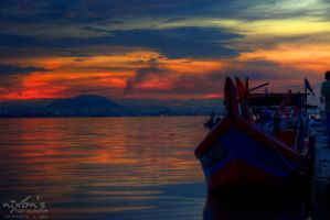 Sunrise of Dove Jetty, Penang - The Boat by fighteden