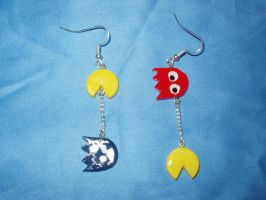 pac-man earrings red by KittyAzura