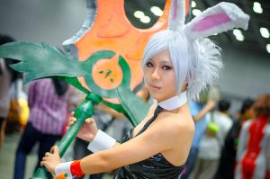 LoL Riven : Eat Your Carrots by Itchy-Hands