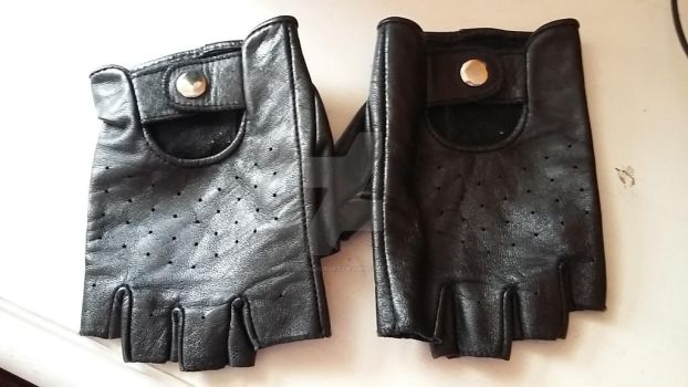 My Tomb Raider Classic Gloves :) by UrsulaCroft