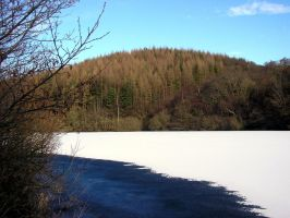 Tunstall Reservoir 4 by delph-ambi