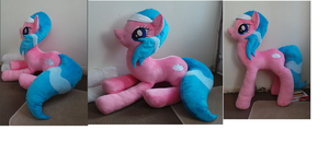 Life Size Aloe Spa Pony by Pinkamoone