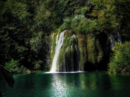 Little Waterfall HDR by Dunk3R