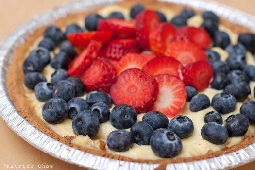 Strawberry-blueberry tart 1 by patchow