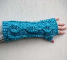 Leaf fingerless gloves by PolClary