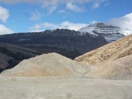 Athabasca Glacier 46 by raindroppe