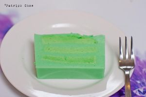 Layered pandan cake 3 by patchow