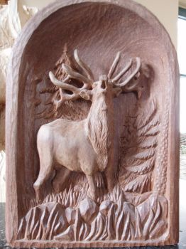 Deer bugling by woodcarve