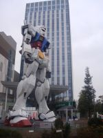 Gundam sideview by plainordinary1