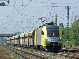 ES64U2 070 with freight - Gyor by morpheus880223