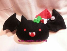 Holly the Christmas batty by fromzombieswithlove