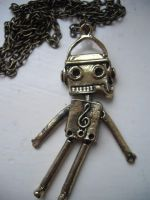 Robot Necklace. by x-GlassHearts-x