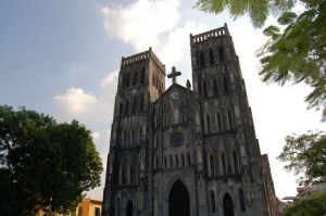 Hanoi Cathedral by tr3ocrue