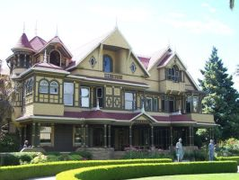 Winchester Mystery House by heartsickdreamer