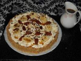 Banoffee Pie with Caramel Sauce by Bisected8