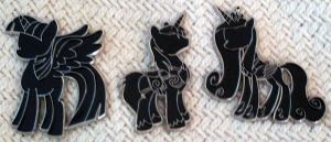 New Silhouette Pins by Kanamai