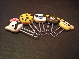 clay paperclips by starryrainbow190