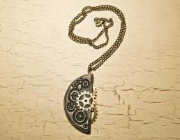 Steampunk necklace by skuggsida