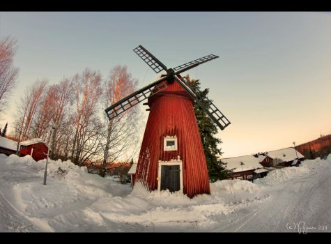 Red Windmill by Pajunen