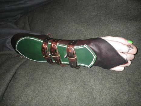 Leather armored bracers by r4n74r