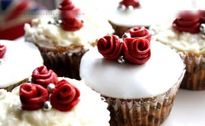 Rose Cupcakes by claremanson