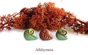 Leaves Obsession, stud earrings by Alkhymeia