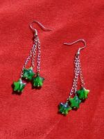 Green Shooting Star Earrings by mizufusion