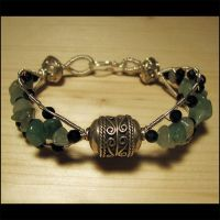 Aventurine and agate bracelet by Astukee