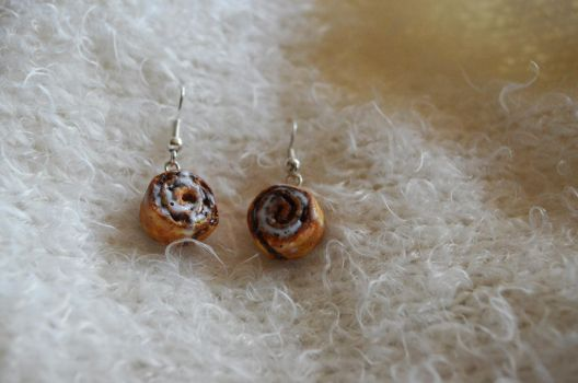 Polymer Clay Cinnamon Rolls Earings 01 by Alhys