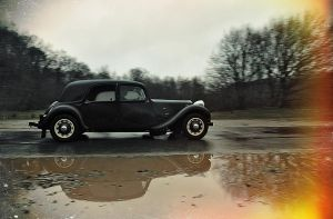 Citroen Traction Avant by BrknRib