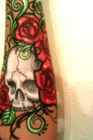 roses and skull by ARTSIE-FARTSIE-PAINT