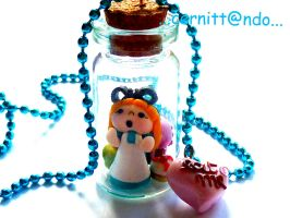Alice in bottle necklace by cernittando