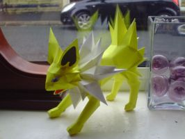 Jolteon by SpottyBulboid