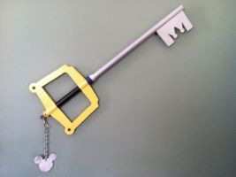 Sora's Kingdom Key by LeftsideUmbra