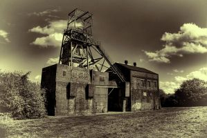 The Oaks Colliery (Headgear)... by TheBaldingOne
