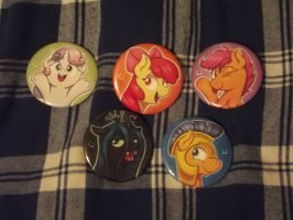 MORE new pony buttons~ by NekoCrispy