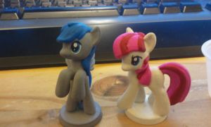 Iron Pail Pony and Strawberry Swirl by PONYPAINTTHEPONY