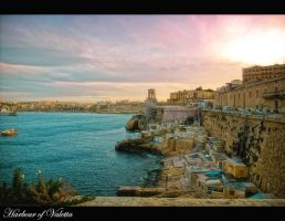 The Harbour of Valetta by calimer00