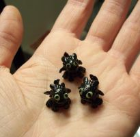 Micro Mini Toothless Dragons by happysquidmuffin