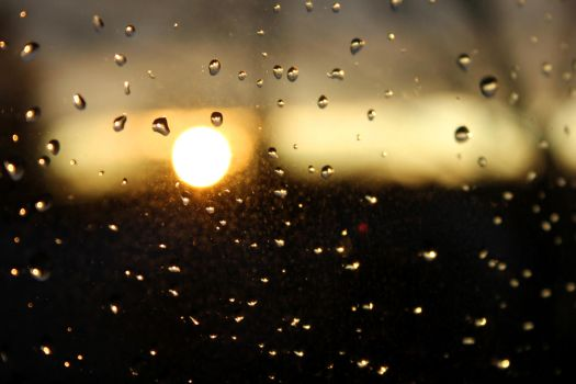 The rain stops and the sun sets by rcrex