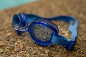 Glasses for swimming by grumsetuff