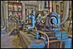 Very old steam pump by Pildik